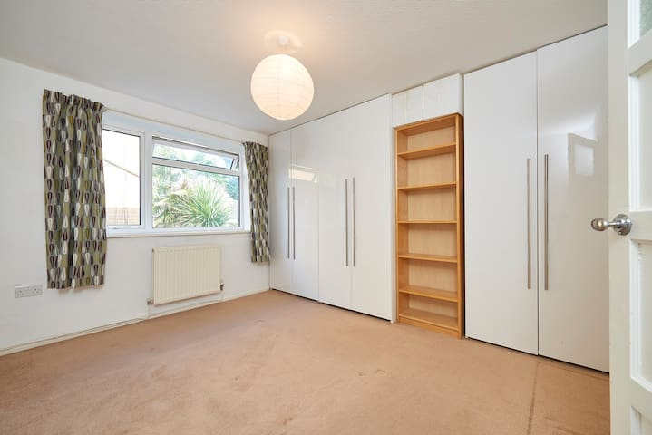 Ground floor 3 bed Flat in Bowdon