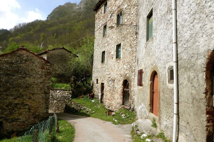 Cozy Holiday Home in Zato Italy near River