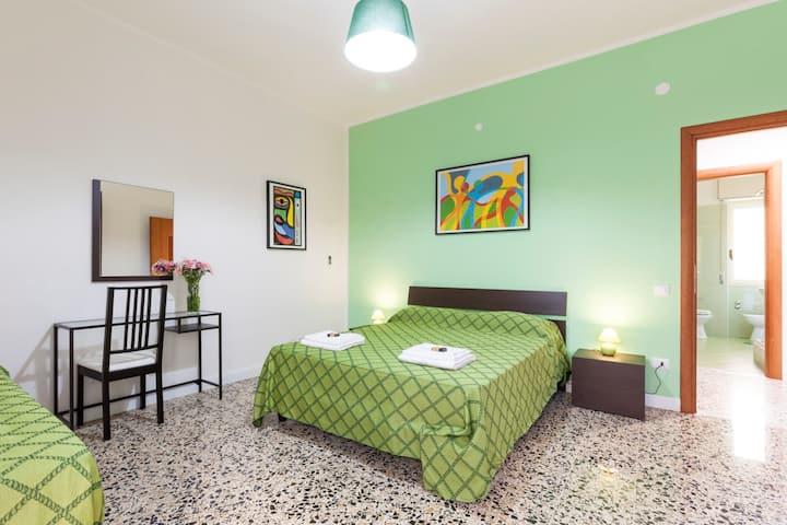 "B&B La Primula - ""Green Room"""