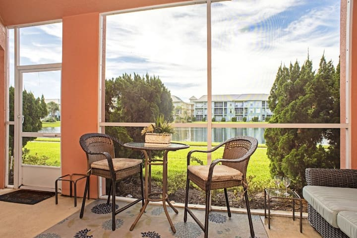 Seaside at Anastasia B104-Luxury 3 bed/2 bath beach condo with new floors, new paint, new LR furniture