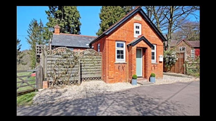 Double Room in converted chapel / Peaceful - Hampshire - Haus