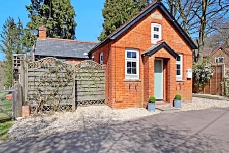 Double Room in converted chapel / Peaceful - Hampshire - Hus