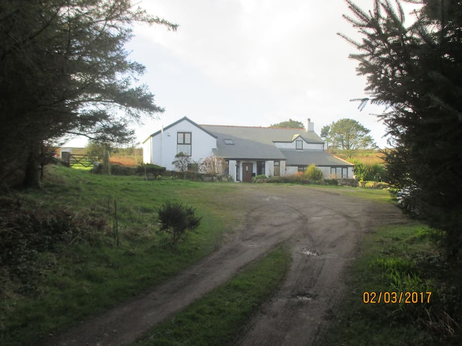 Arrival at Carminowe Farm.