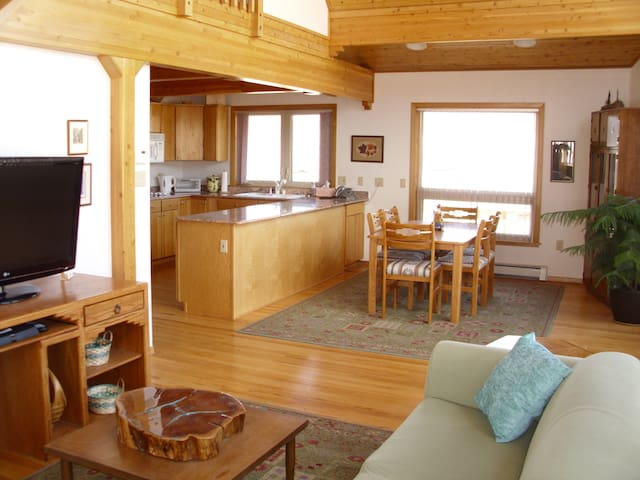 Open, Airy Vacation Rental