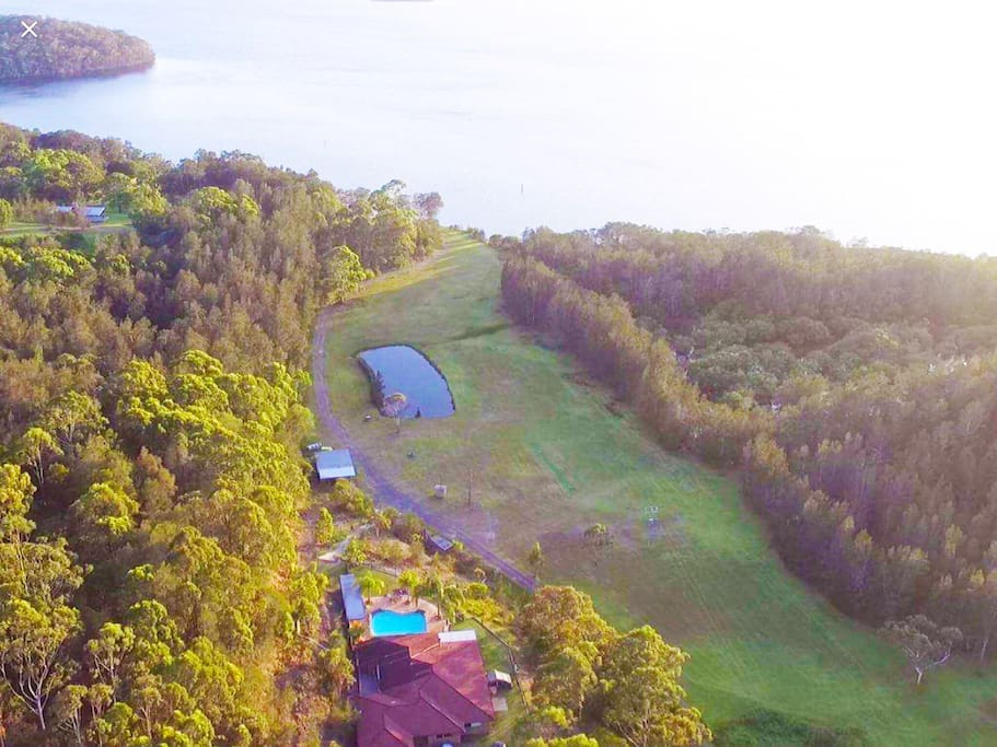 Relax with 11 Hectares of lakefront secluded living all to yourself