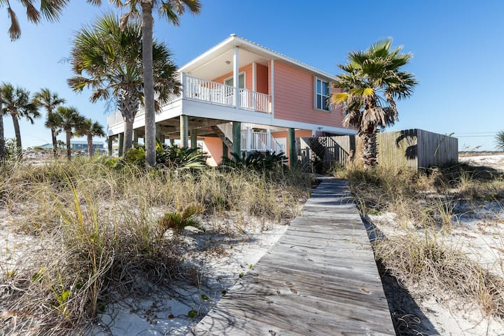2-Story Home, Beach Service Included, Quick Walk To The Beach