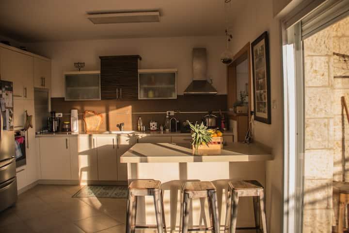 Cozy Room & warm hosting in Givat-Zeev, Jerusalem