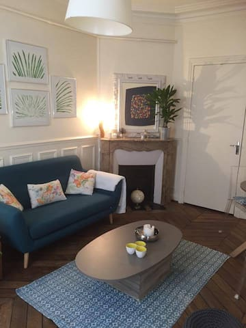 The ideal Hausmannian room at Montparnasse