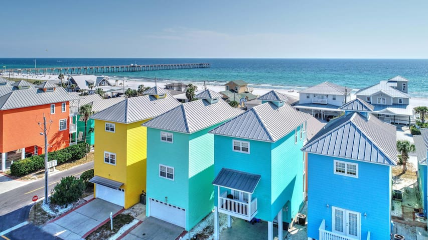 Gorgeous Home with Beach Views & Community Pool