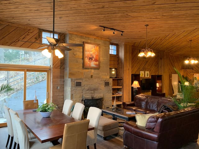 #1: Renovated Lodge at The Cottages on Petite Lake