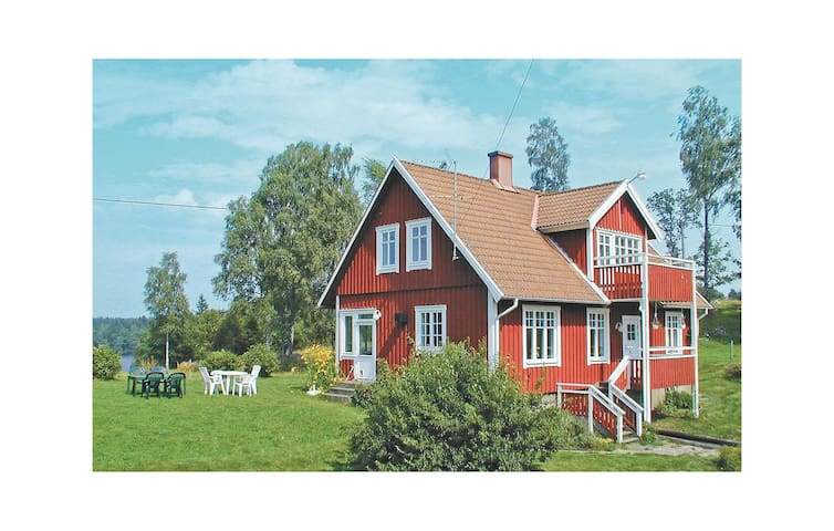 Former farm house with 3 bedrooms on 120m² in Knäred