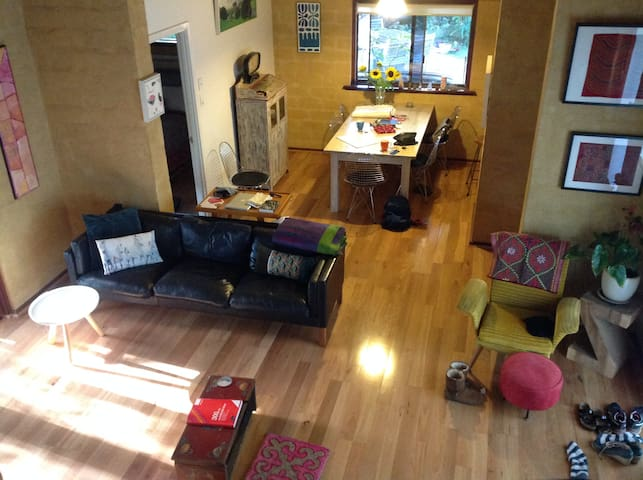 Tranquil Stylish Cottage - walk to town - Margaret River - บ้าน