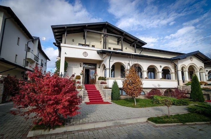 Pensiunea Curtea Bizantina
