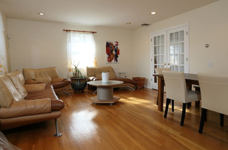 Comfortable room with amenities | West Orange, NJ.