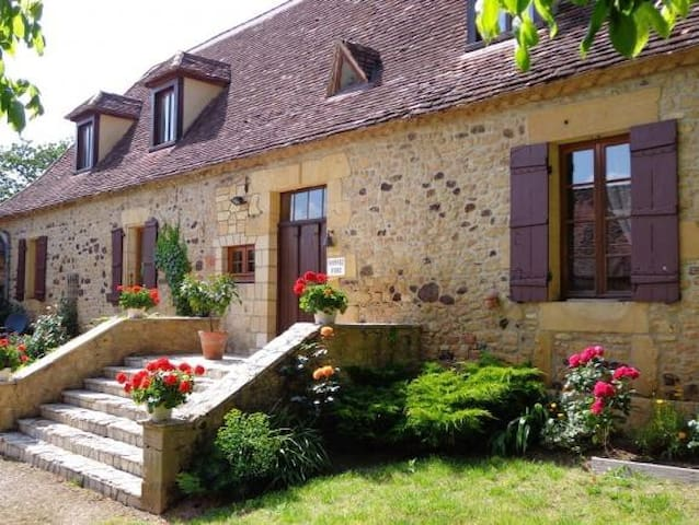 Le Grand Reve - Holiday Home Rental France - Montferrand-du-Périgord - Hus