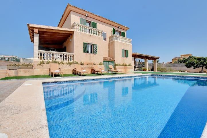Villa East en ubicación idílica cerca de varias playas de arena