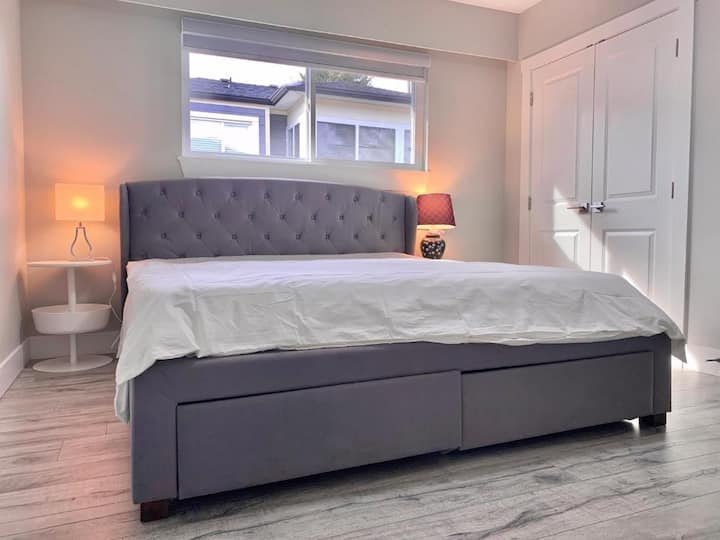 $58Metrotown MasterBedroom Brand NewⅠ