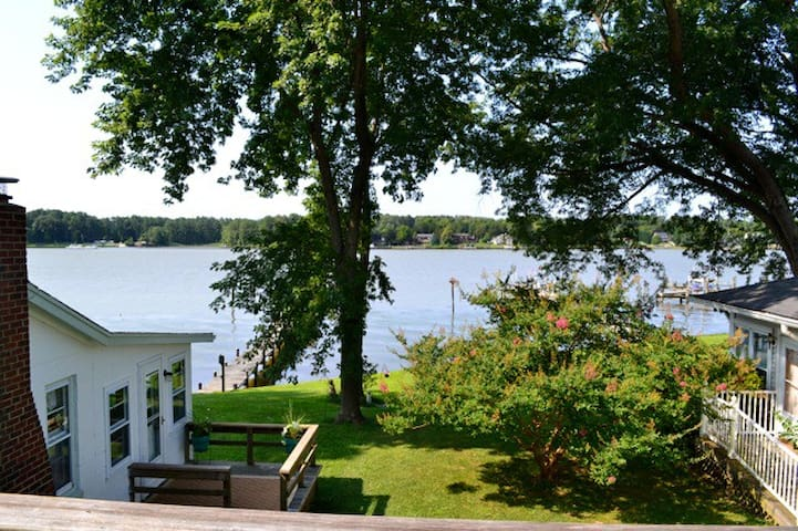 Beautiful Waterfront Walk-up flat in Southern Md. - Newburg - Apartemen