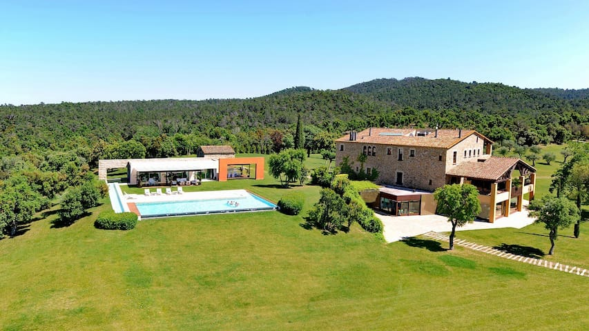 Mas Mateu, best villa in Spain - Sant Climent de Peralta