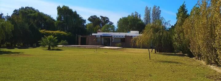 """Modernidad en el campo """"Casa Grande"""""""