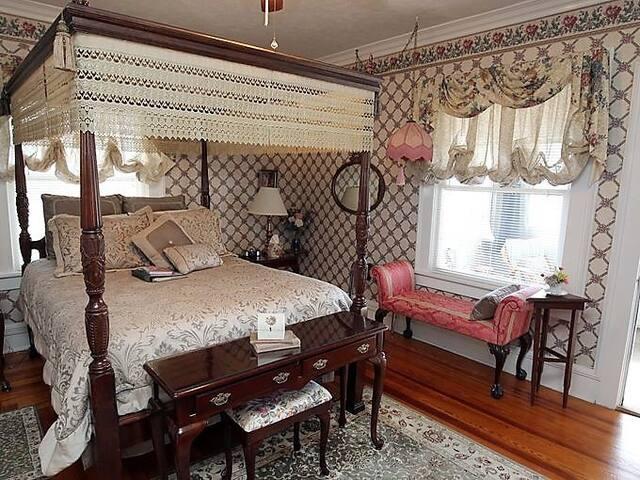Heritage Room - Dickey House B&B