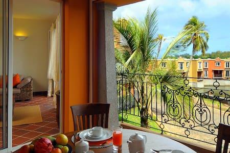 Magnifique Villa 2 chambres Port Chambly - piscine - Pamplemousses - วิลล่า