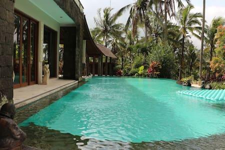 A Calm and Romantic 3 Bed Rooms Villa