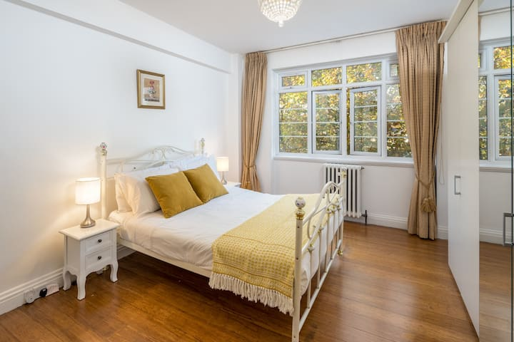 Lovely 1 bed flat near Earls Court, Chelsea