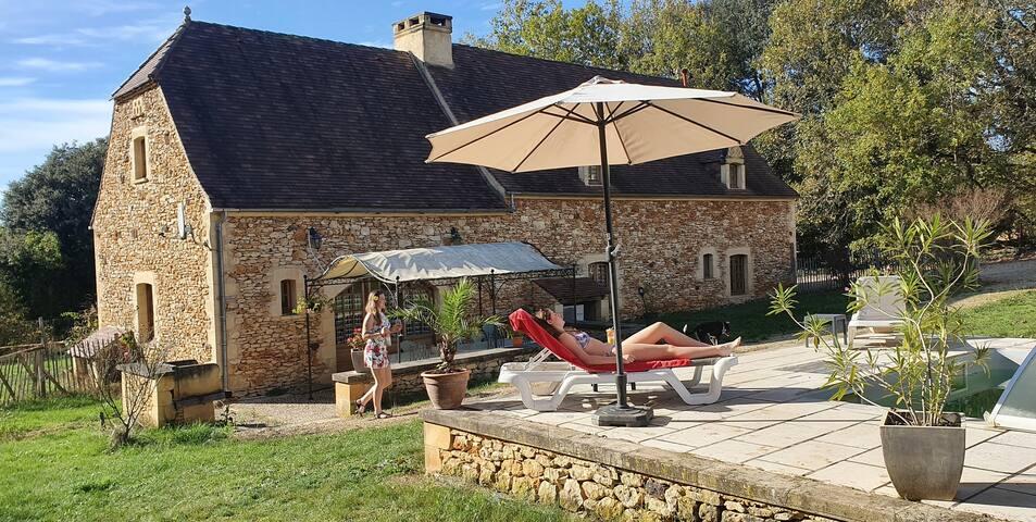 Gîte 14 pers, piscine, Dordogne, proche Sarlat
