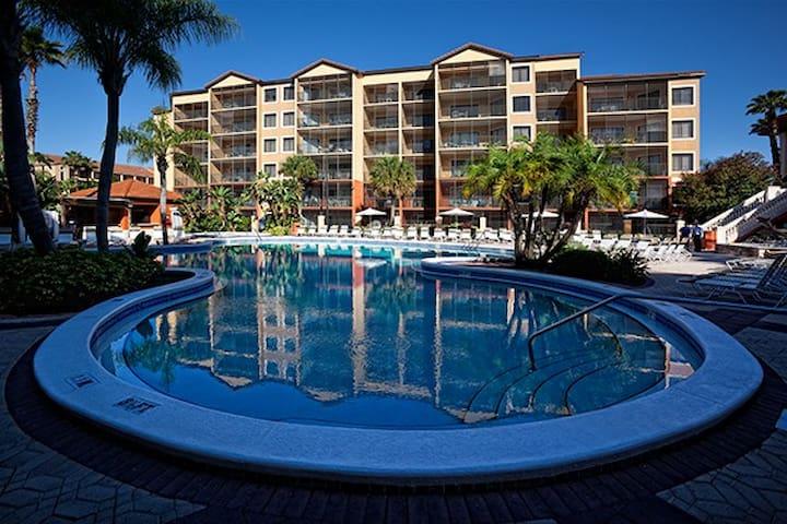 Westgate Lakes Resort: 3-BR, Sleeps 12, 2 Kitchens