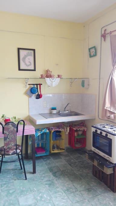 Meseta cocina, estufa y mesa