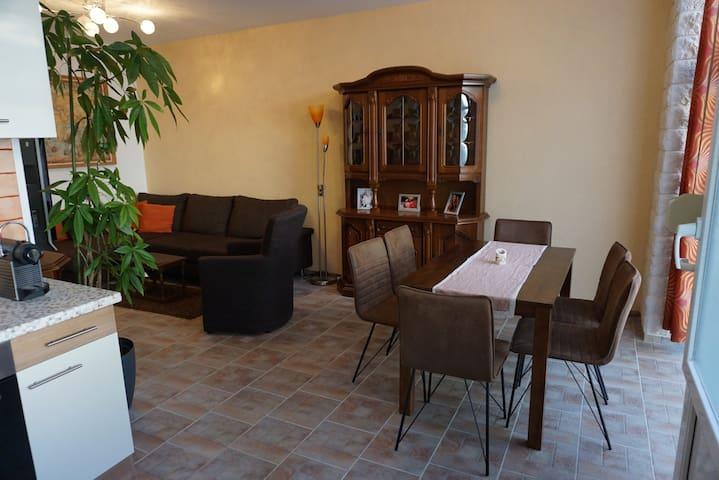 Große Wohnung/ Big flat/ piso grande in Stötteritz