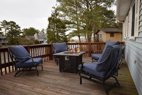 ★ Jay's Waterfront Retreat: Kayaks-Fire Pit-Bikes-Beach-High Speed Internet-Pet Friendly