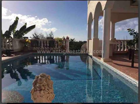 Villa in Jolly Harbour-Antigua COVID-19 CERTIFIED