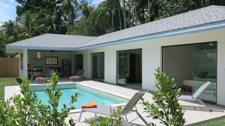 MAPRAO-1:3 chambres,piscine privée, 1 km de la mer