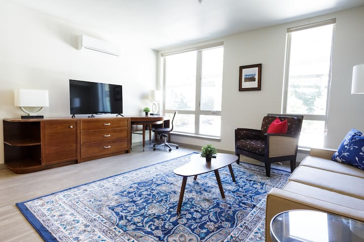 Charming urban one bedroom in Downtown Pearl