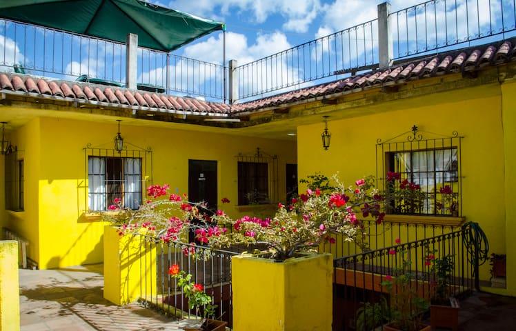 Maison Bougainvillea