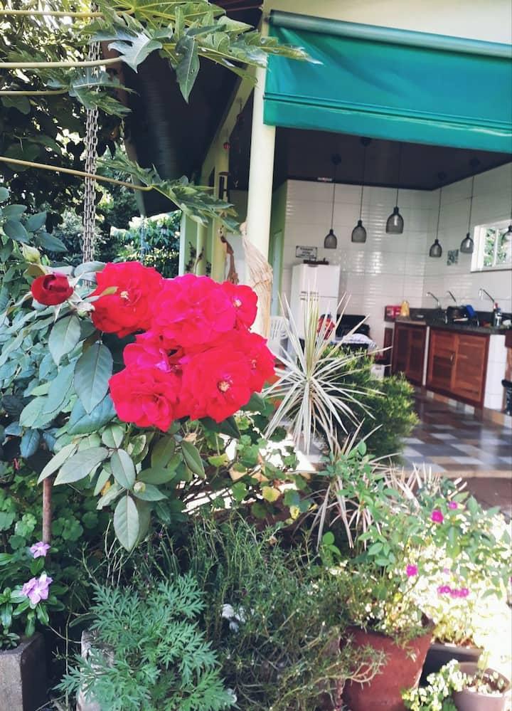 Casa Terra Foz. Suíte com cozinha. Linda natureza.