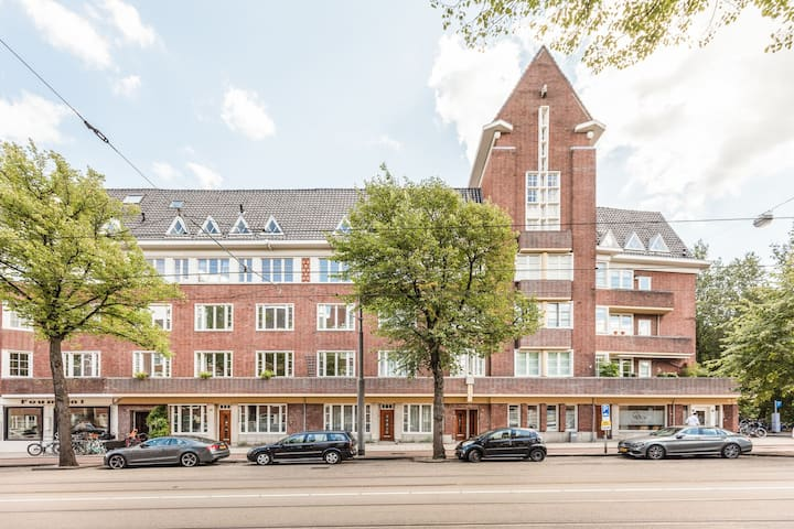 Beautiful spacious apartment South of Amsterdam