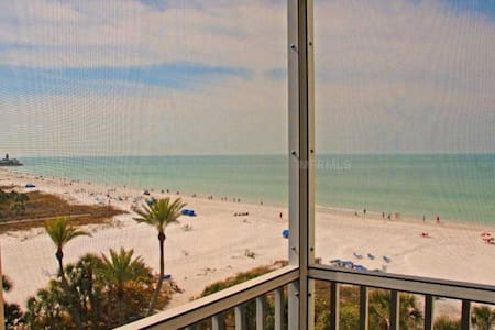 2 BR/2BA Beachfront condo.  Panoramic Gulf Views! - Siesta Key