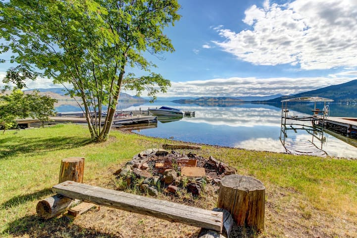 Dog-friendly, waterfront home w/ private hot tub & dock - space over garage