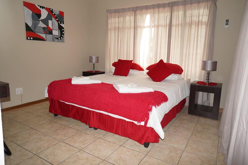 Room No.1 Bedroom, King or 2 single.