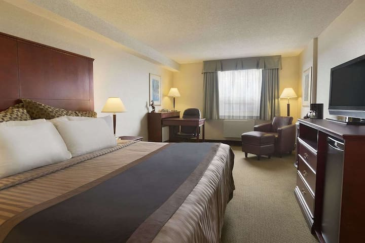 (YVR1K1) Ideally located Vancouver Airport Hotel