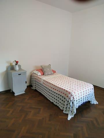 Lovely private Room / Habitación privada