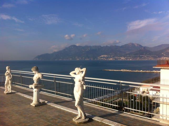 Attico vista costiera amalfitana - Salerno - Muu