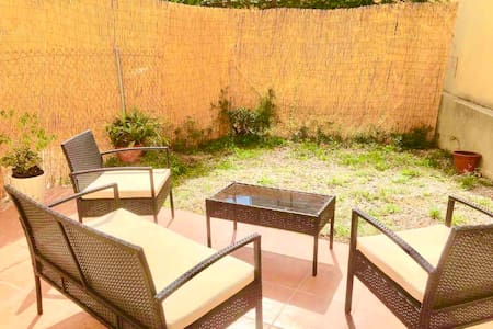 Apartment of 80m2 with GARDEN,armchairs, great sun