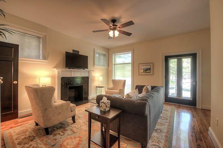 Wonderful light- Open Living Room