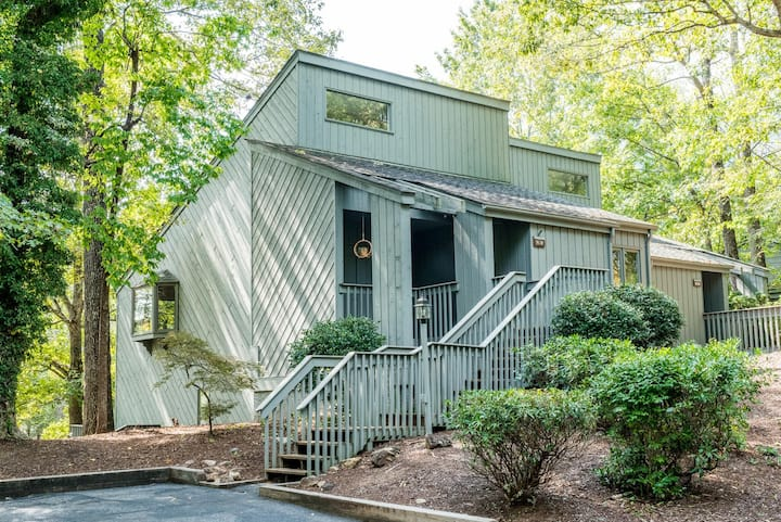 BohoBungalow at Lake Lure (Resort access included)