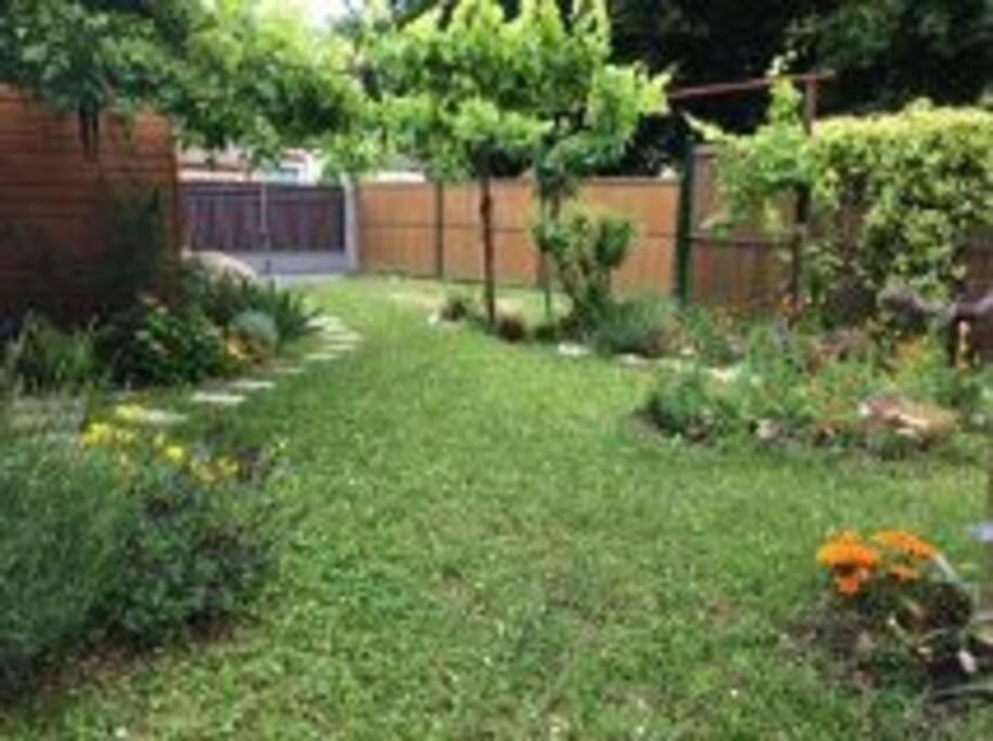 Chambre a louer dans maison avec jardin maisons - Maison a louer 3 chambres avec jardin ...