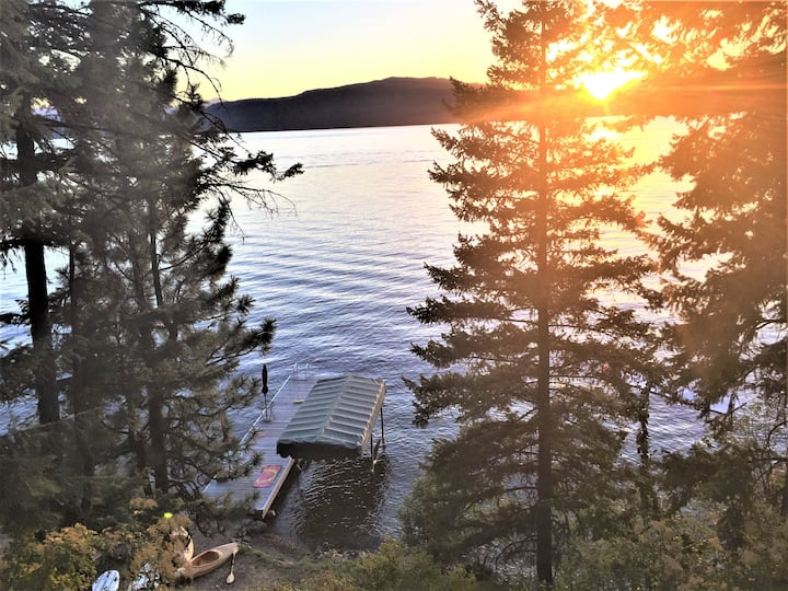 Priest Lake Eastside Cabin with Awesome Views!